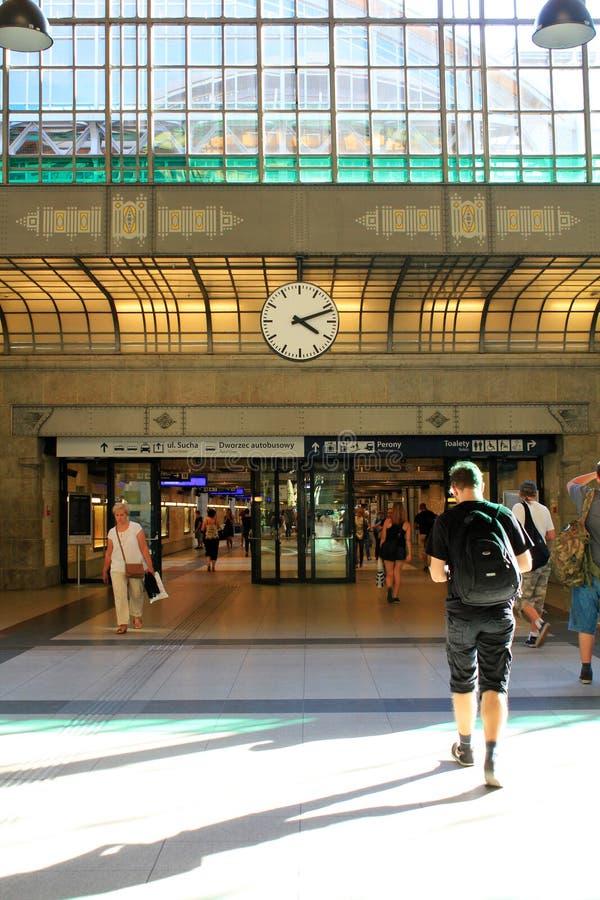 Estação de trem principal em WROCLAW no POLÔNIA, Europa, 12 09 2016 foto de stock royalty free