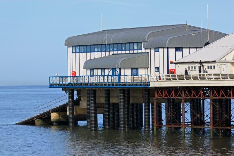 Estação do cais e do barco salva-vidas de Cromer, Norfolk imagens de stock royalty free