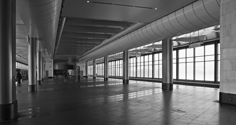 Download Estação do metro imagem de stock. Imagem de diagonal, branco - 539879