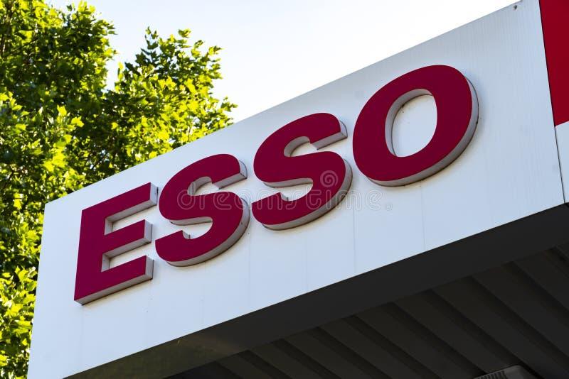 Estação do serviço de Esso imagem de stock royalty free