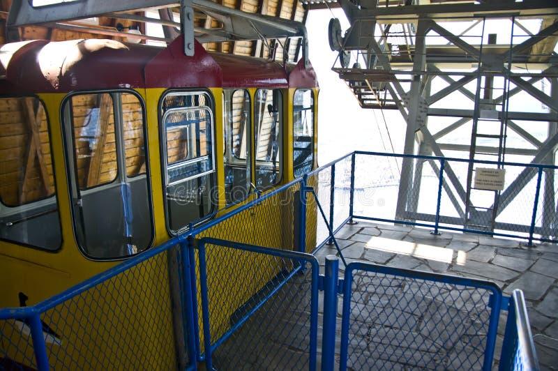 Download Estação do teleférico foto de stock. Imagem de vermelho - 10067582
