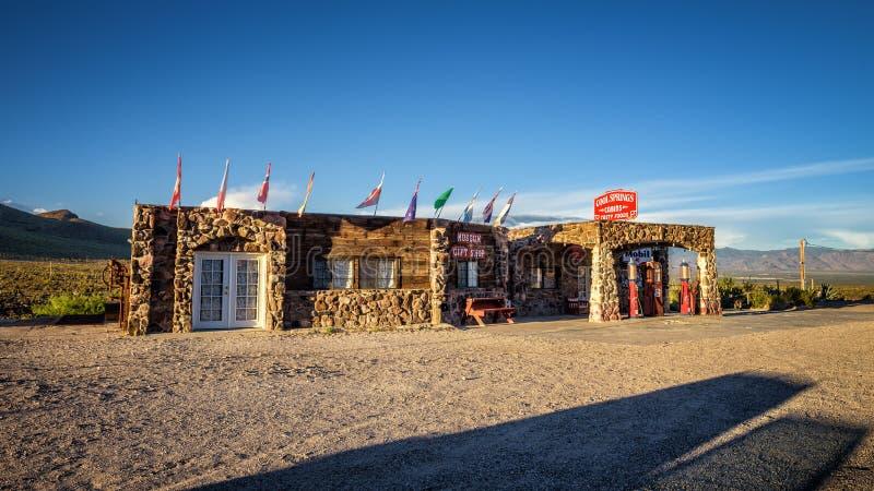 Estação fresca reconstruída das molas no deserto de Mojave no ro histórico fotos de stock royalty free