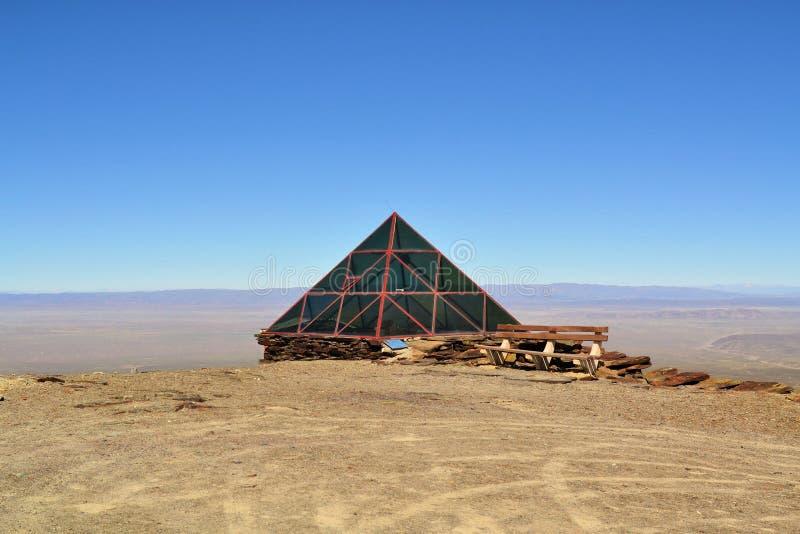 Estação meteorológica em Chacaltaya perto de La Paz, Bolívia imagem de stock
