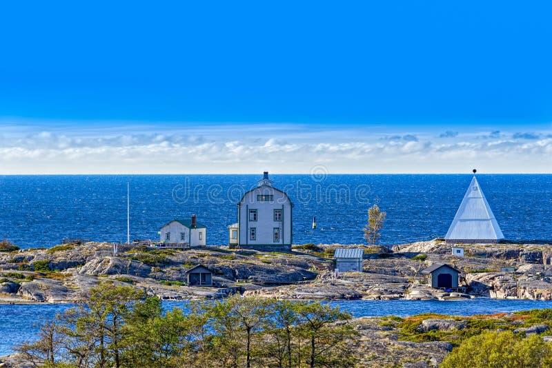 Estação piloto velha Kobba Klintar no arquipélago de Aland fotos de stock royalty free
