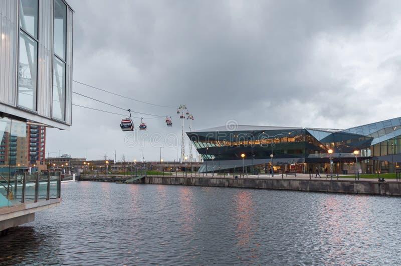 Estação real do teleférico de Victoria Docks em um dia chuvoso foto de stock royalty free