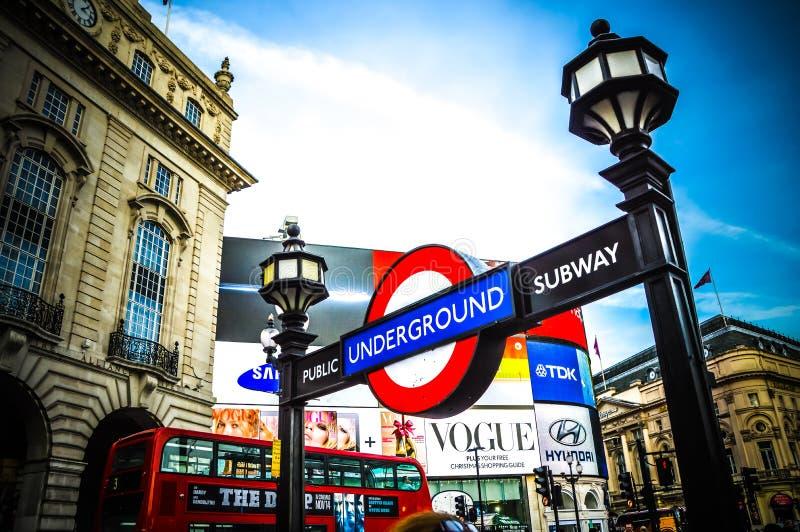 Estação subterrânea de Londres fotos de stock royalty free