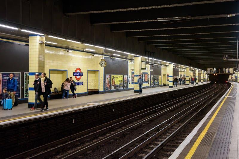 Estação subterrânea do leste de Aldgate em Londres imagens de stock royalty free