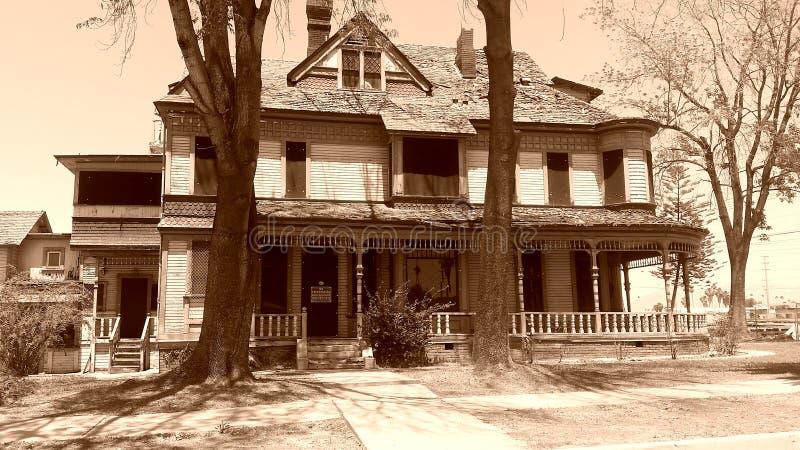 Esta casa vieja imagen de archivo