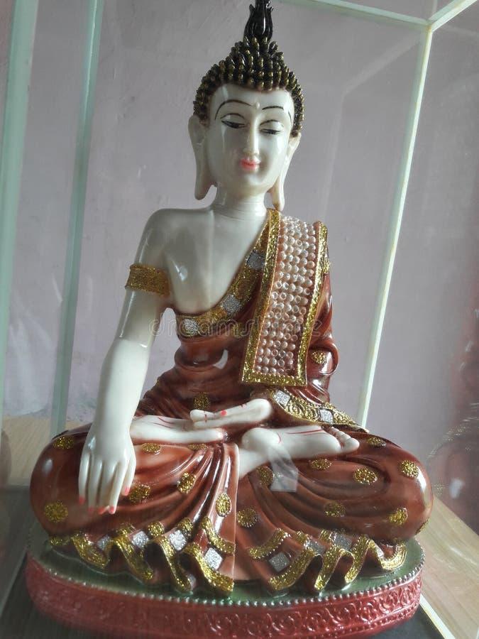Esta estatua pertenece al budhha del señor imagen de archivo libre de regalías