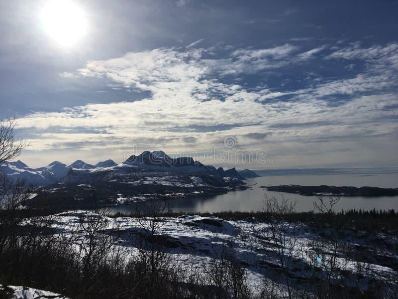 Esta imagen se adquiere un paseo en las montañas en el norte de Noruega imagenes de archivo