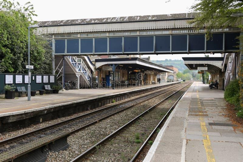 Esta??o de caminhos de ferro de Stroud com plataforma vazia fotos de stock royalty free