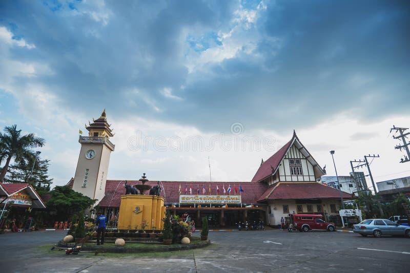 Esta??o de trem de Chiangmai Trilha, trem fotografia de stock