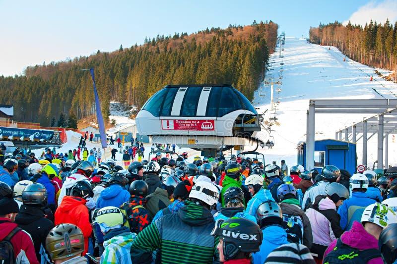 Estación de esquí apretada, Bukovel imagen de archivo libre de regalías