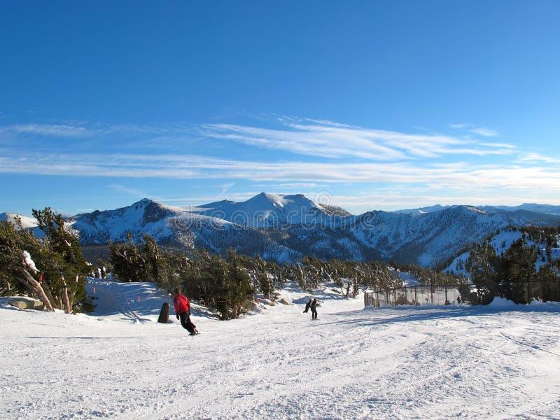 Estación de esquí celeste imagen de archivo