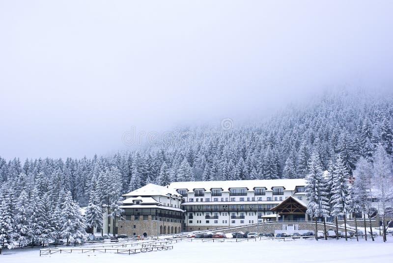 Estación de esquí del invierno imagenes de archivo