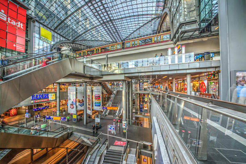 Estación de ferrocarril central en Berlín imágenes de archivo libres de regalías
