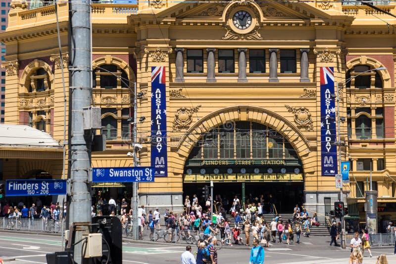 Estación de la calle del Flinders en Melbourne el día de Australia imagen de archivo