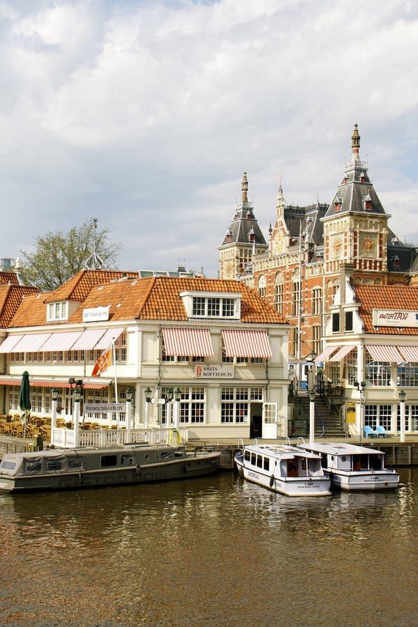 Estación de la central de Amsterdam imagenes de archivo