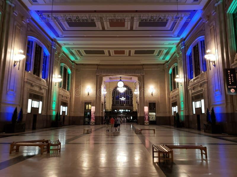 Estación de la unión dentro del estado de Kansas Missouri de la opinión de la noche fotografía de archivo