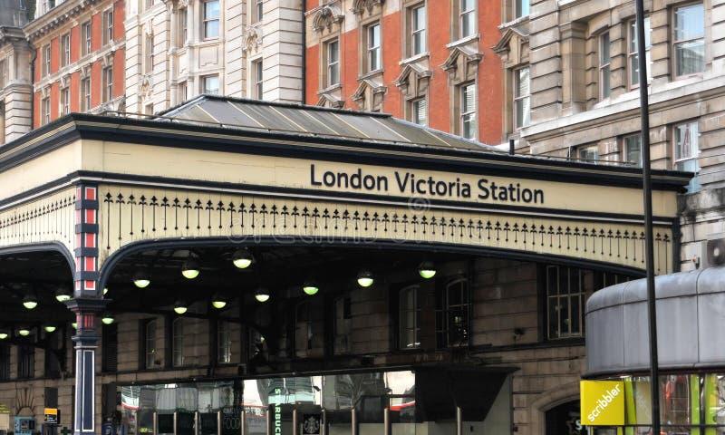 Estación de Londres Victoria fotos de archivo