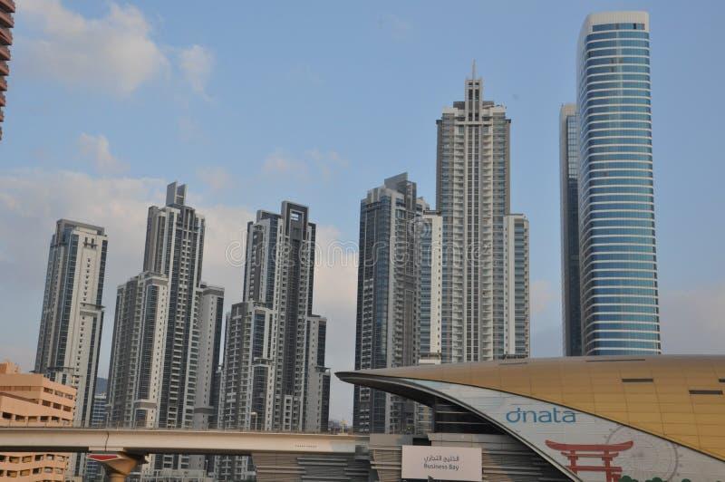 Estación de metro de la bahía del negocio en Dubai, UAE imágenes de archivo libres de regalías