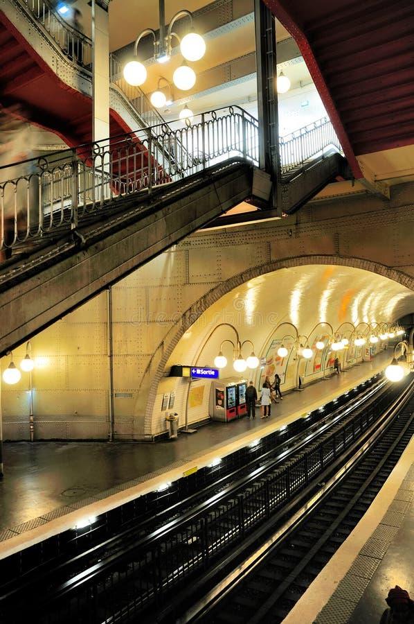 Estación de metro de París imagen de archivo libre de regalías