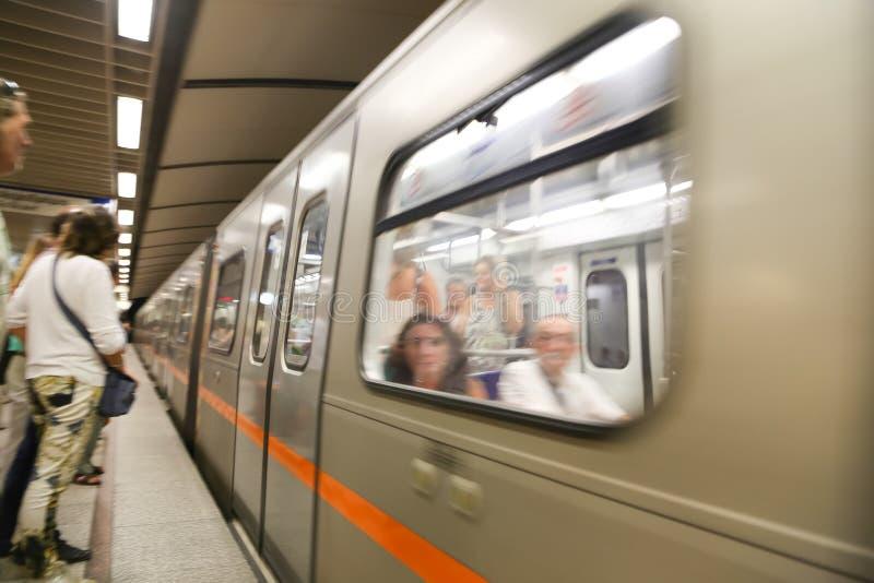 Estación de metro en Atenas, Grecia foto de archivo