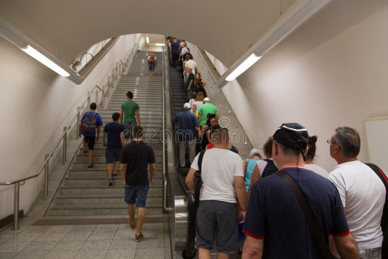 Estación de metro en Atenas, Grecia fotografía de archivo