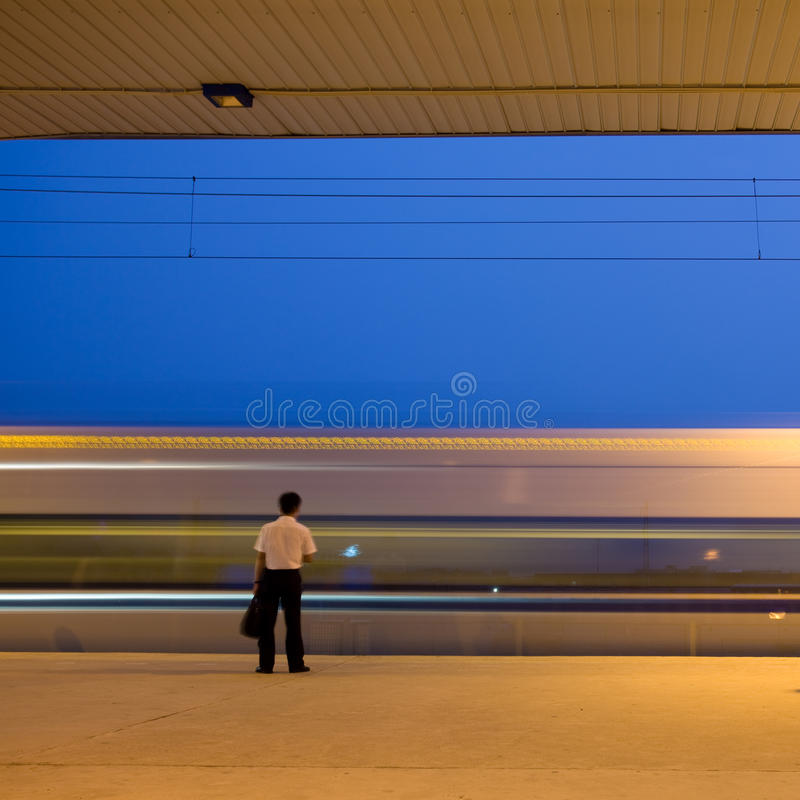 Estación de metro (movimiento enmascarado) foto de archivo