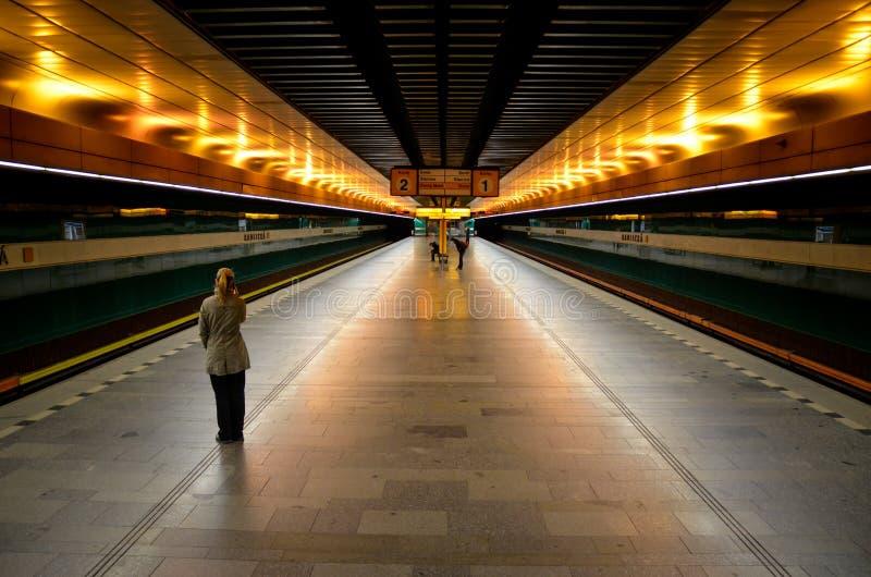 Estación de metro Radlicka en Praga fotos de archivo