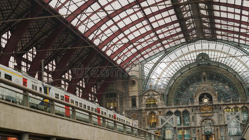 Estación de tren central de Amberes fotos de archivo libres de regalías