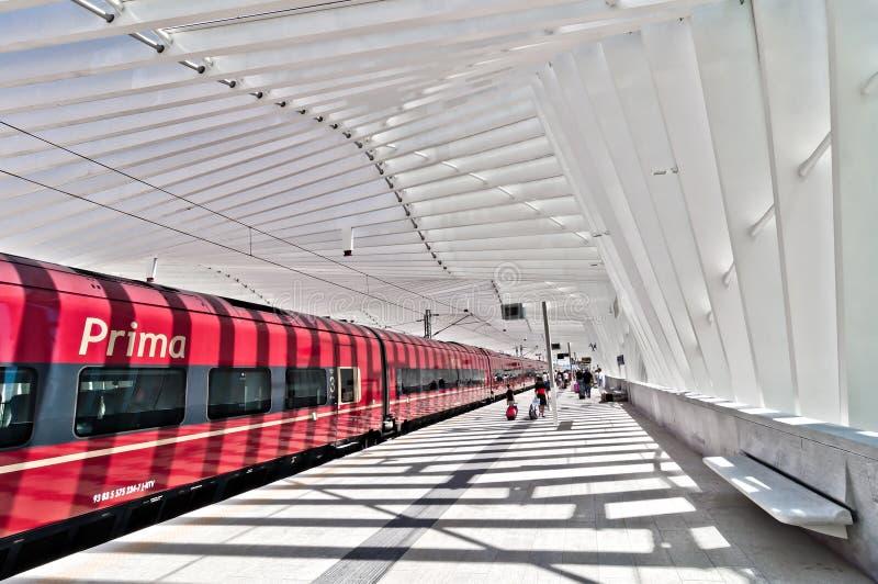 Estación de tren de alta velocidad en Reggio Emilia, Italia fotografía de archivo