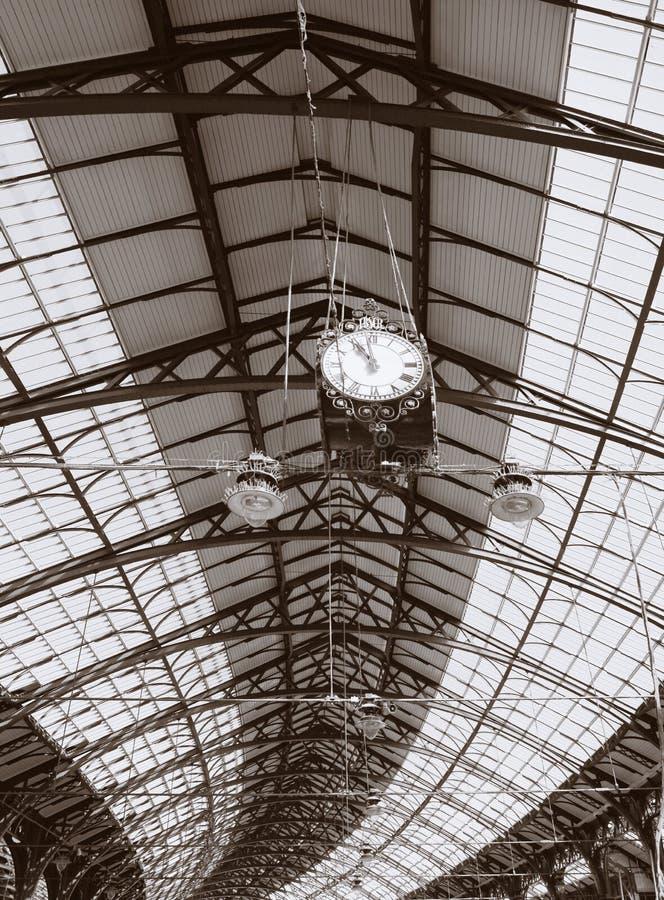 Estación de tren de Brighton del techo de la azotea de la configuración fotos de archivo libres de regalías