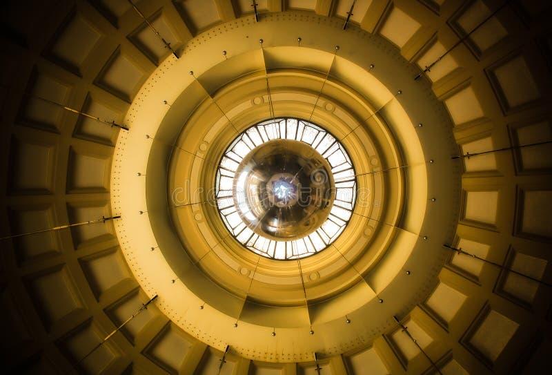 Estación de tren de Fança del techo Barcelona foto de archivo