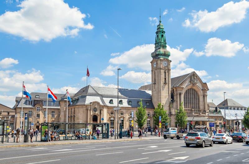 Estación de tren de Gare Centrale en la ciudad de Luxemburgo fotografía de archivo
