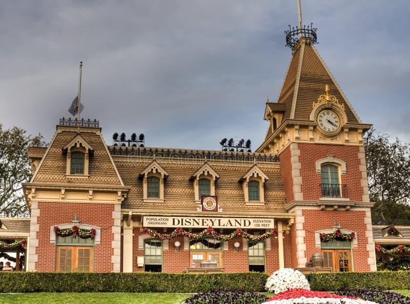 Estación de tren de la calle principal fotografía de archivo libre de regalías