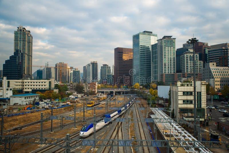 Estación de tren en la ciudad de Seul imagen de archivo libre de regalías