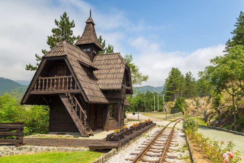 Estación de tren de Jatape en el Sargan 8 - Sargan ocho - Sagarnska Osmica, Serbia imagen de archivo libre de regalías