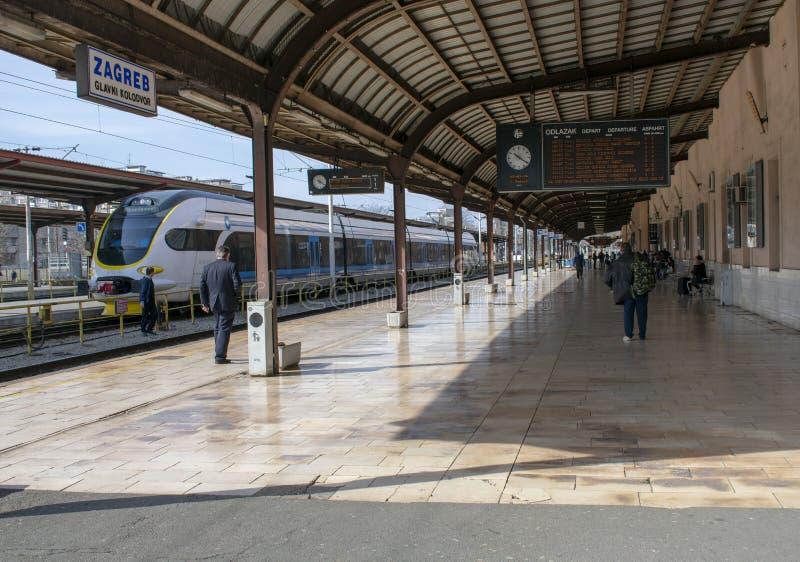 Estación de tren principal en Zagreb, Croacia fotografía de archivo