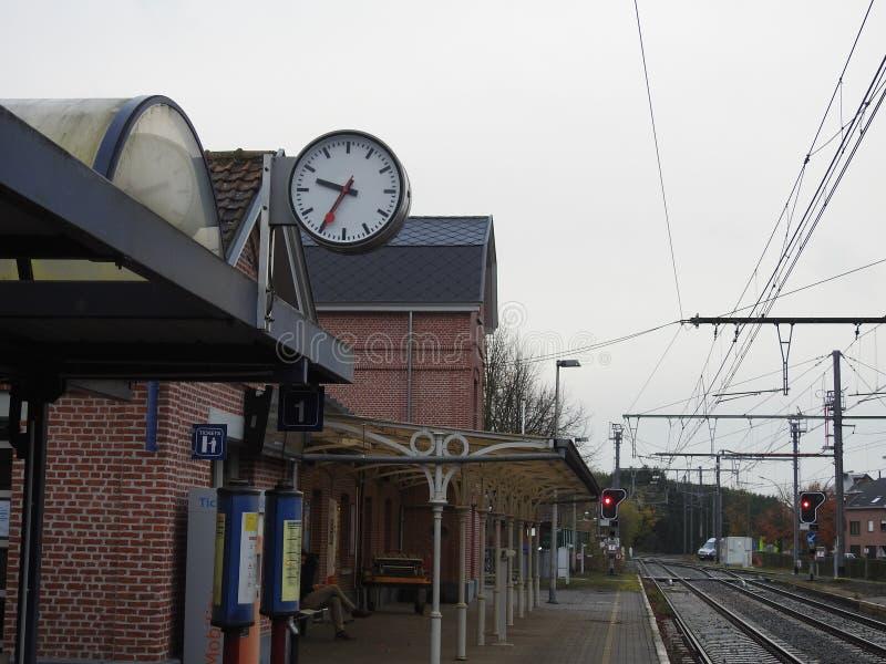 Estación de tren - Puurs - Bélgica fotos de archivo
