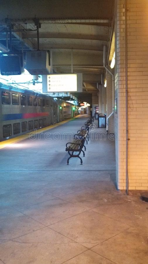 Estación de tren vacía foto de archivo