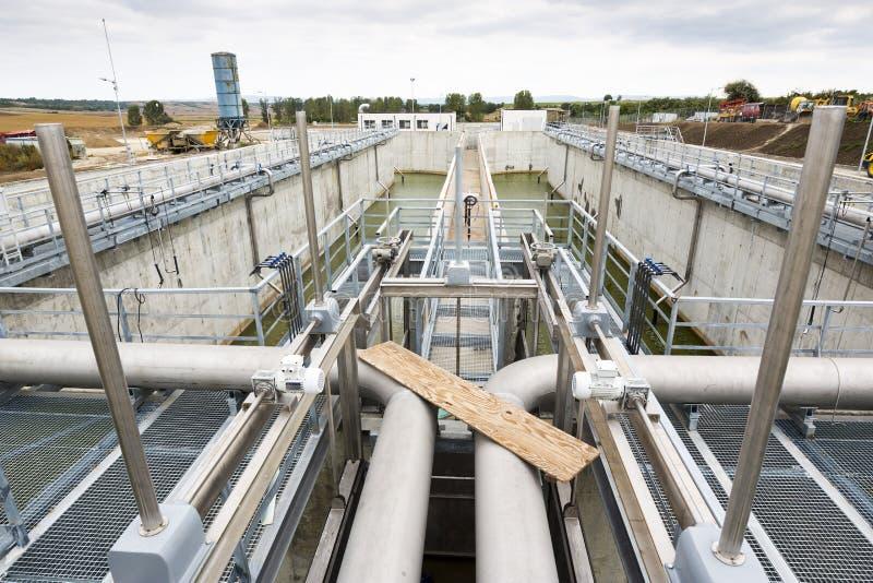 Estación del bombeo de agua del tratamiento de aguas residuales fotografía de archivo