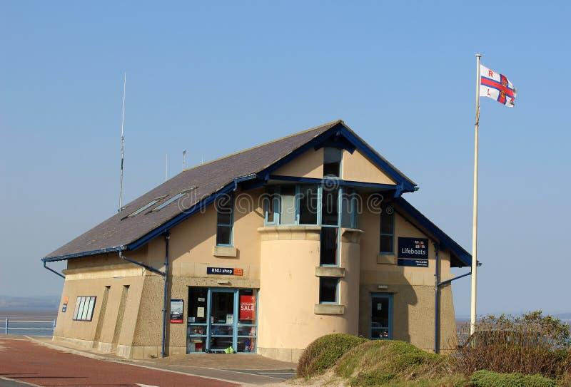 Estación del bote salvavidas de Morecambe y tienda de RNLI imagen de archivo