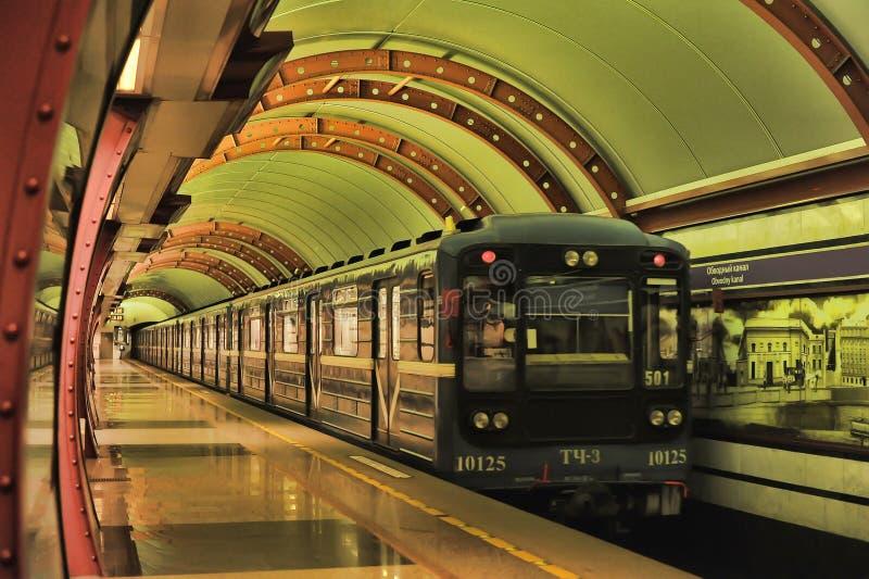 Estación del metro de St Petersburg fotos de archivo libres de regalías