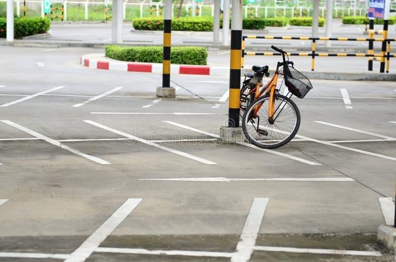 Estacionamento da bicicleta imagem de stock royalty free