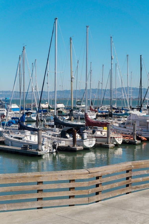 Estacionamento do porto do iate em San Francisco EUA fotografia de stock