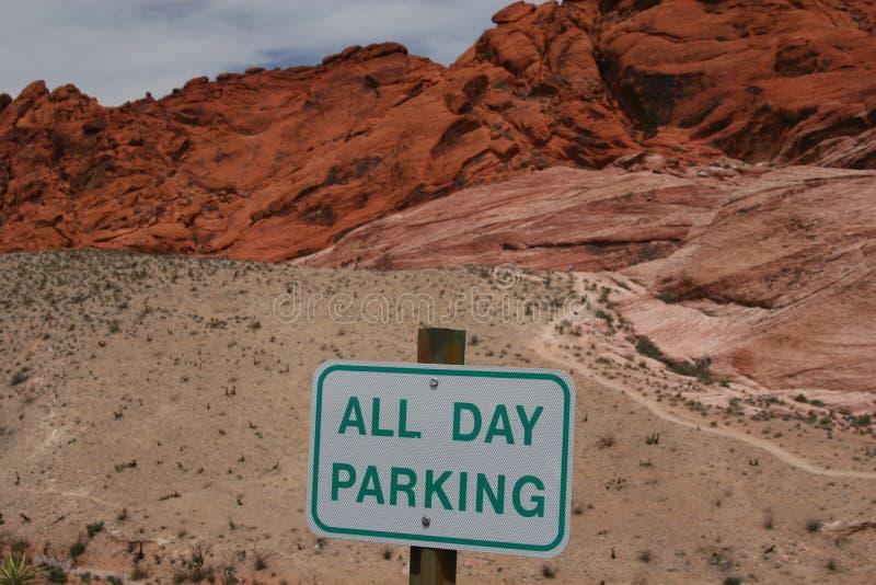 Estacionamento na garganta vermelha da rocha fotografia de stock