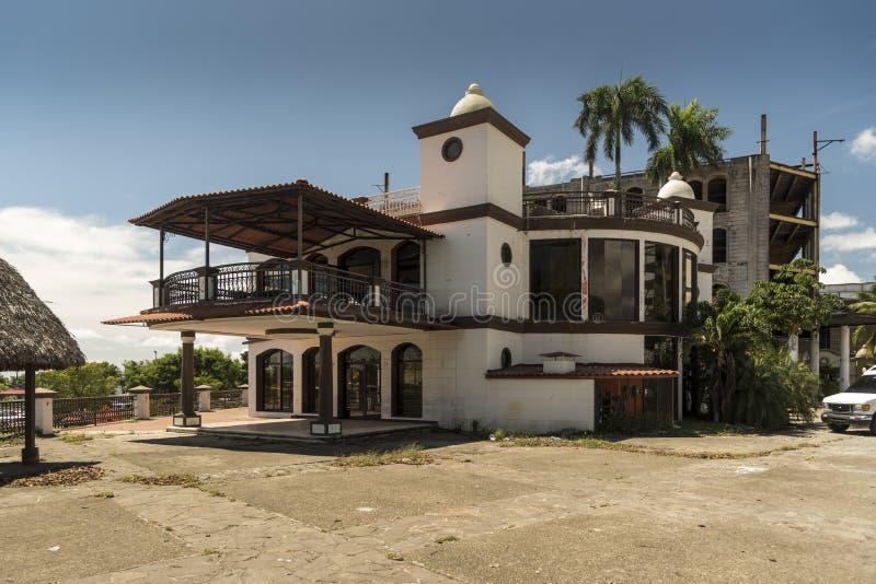 Estacionamiento Sur, Amador, Panama City royaltyfri bild