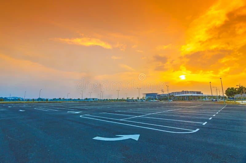 Estacionamiento vacío fotos de archivo