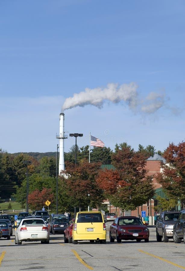 Estacionamiento y pila de humo foto de archivo libre de regalías